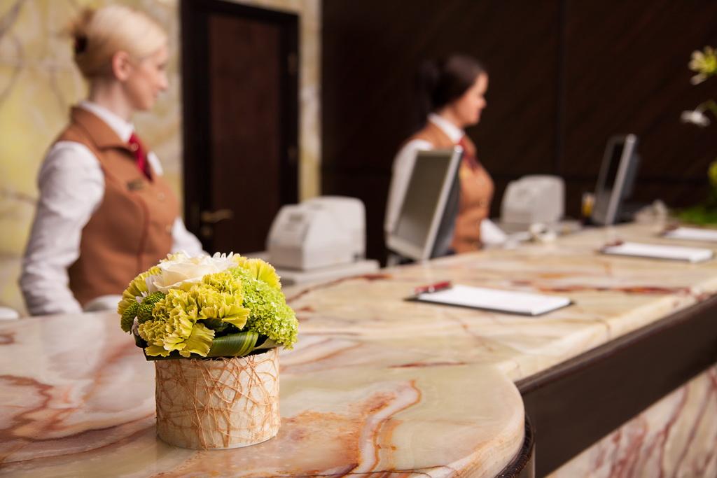 Как работать с «проблемными» и VIP-гостями расскажут на выставке «HoReCa.  Индустрия гостеприимства» — «Первое выставочное объединение»