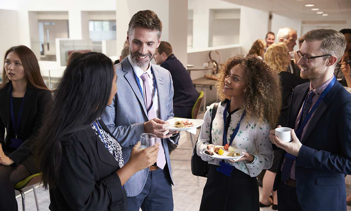 Networking Doesn't Have to Be Scary! Six Tips for Successful Networking - Discover & Learn - RBC Royal Bank